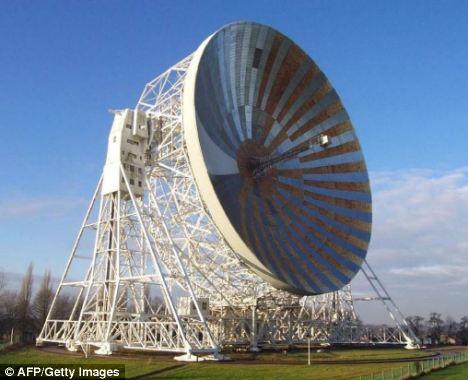 著名的曼彻斯特大学卓若尔班克射电望远镜。科学家相信我们可以听见外星人的声音